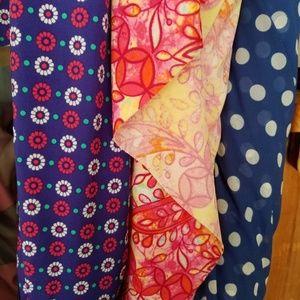 👙Swimsuit Fabric 2x yards Designer Lines👙